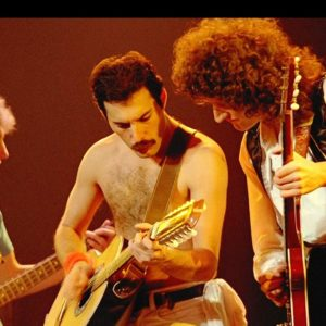 queen_band_members_concert_action_2450_3840x2160