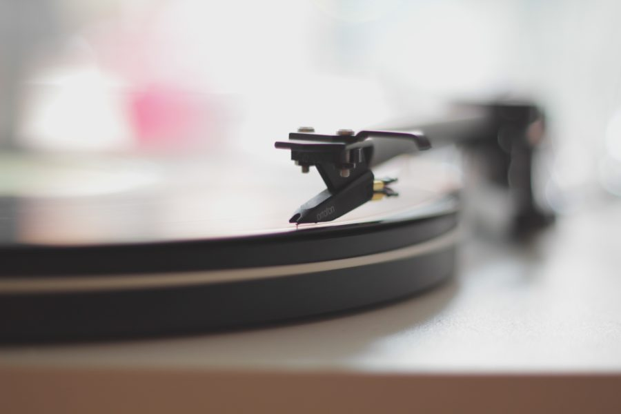 record-player-disk-turntable-vinyl-wallpaper